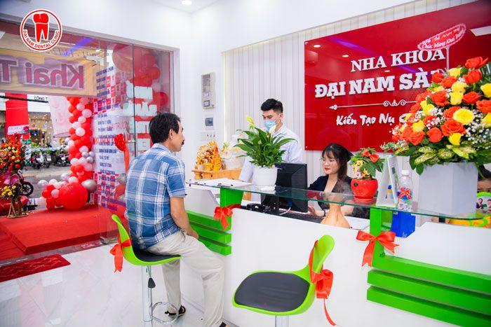 Những vị khách hàng đầu tiên của Nha Khoa Đại Nam Sài Gòn